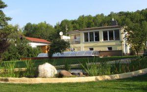 Pool und Gartenteich